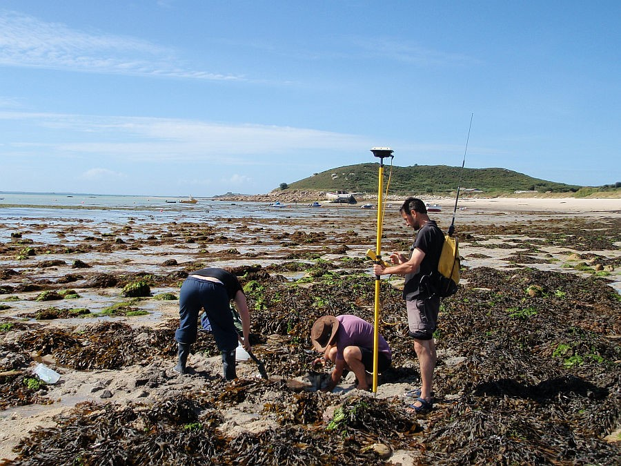 photograph of peat sampling on the Isles of Scilly
